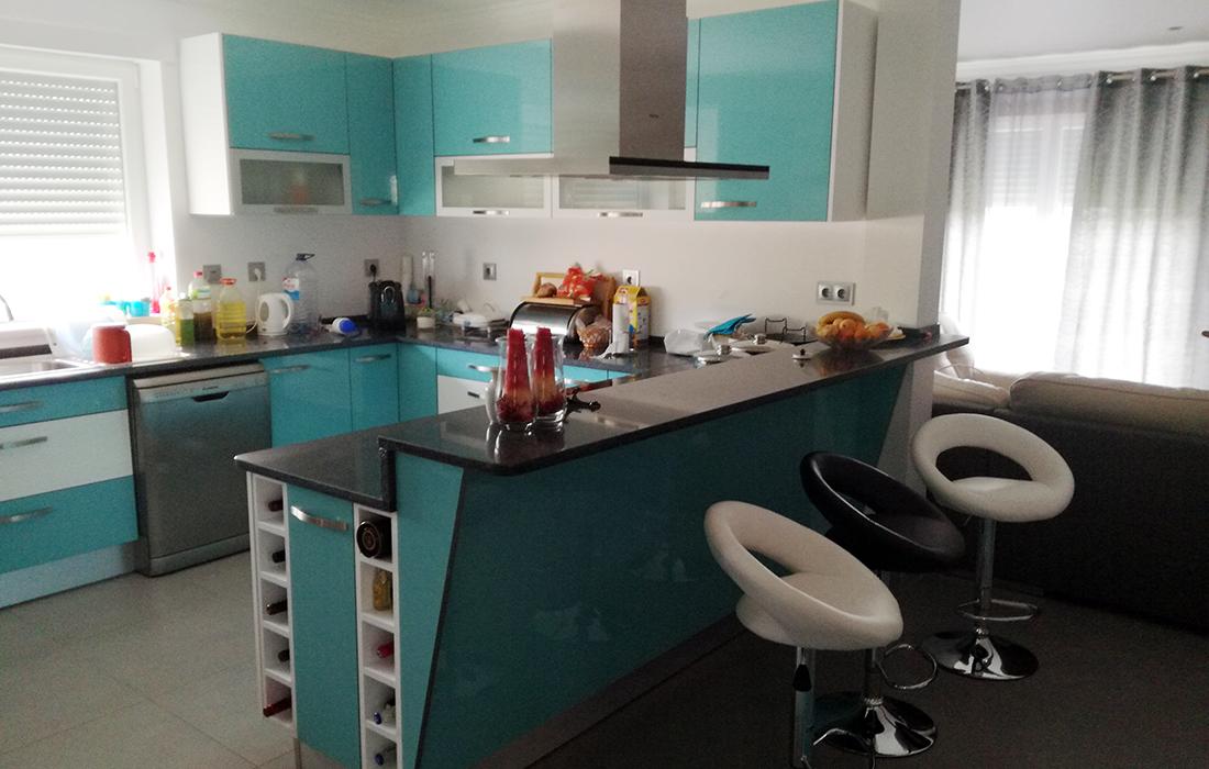 Cozinha design moderno (branca e azul)